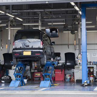 伊万里市で自動車整備士!完全週休二日制!月給~30万!見習い大歓迎!