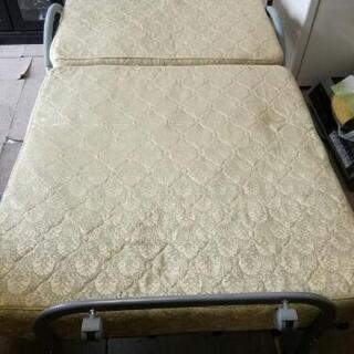 電動リクライニング式 折り畳みベッド