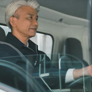 大型ドライバーならガッツリ高収入♪月収37万円以上可能!長期勤務...