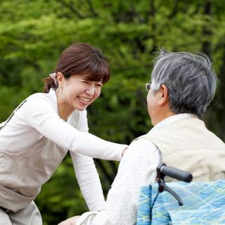 【キレイな職場環境☆】堺市の有料老人ホームのケアスタッフ