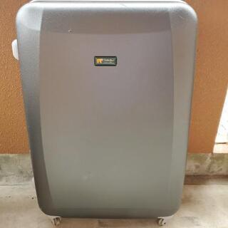 ゴールデンベア スーツケース