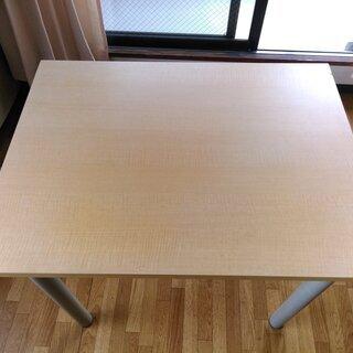 テーブルとイス②