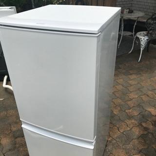 2015年 シャープ冷蔵庫 137L つけかえどっちもドア