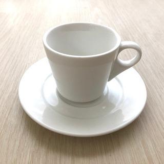 白いデミタスカップ&ソーサー