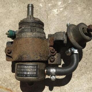 旧車用の燃料ポンプ