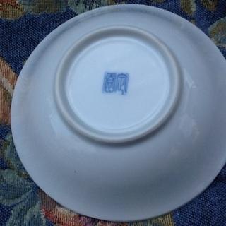 ※1枚100円【3枚あり】未使用品の素敵な和食器 小皿 小鉢 花柄 紺藍色 印もあり  - 売ります・あげます