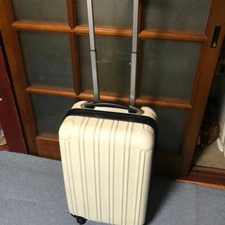 旅行用トランクケースたくさんあります