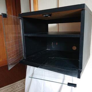 テレビ台(右ガラス扉破損)