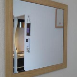 ニトリの壁掛け鏡