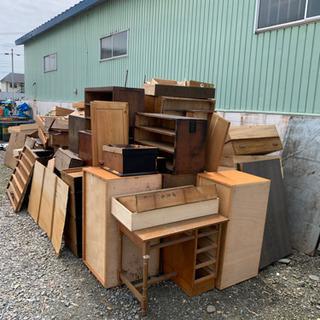 家具 廃材 山盛りあります
