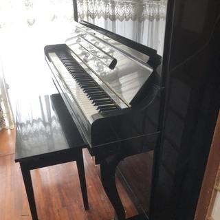 アップライトピアノの画像