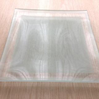 ガラス製スクエア皿 (裏面すりガラス加工)