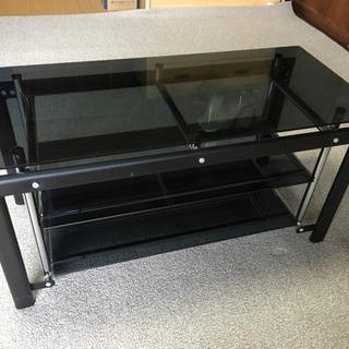 ガラス天板のTVボード