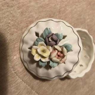 小さな陶器の小物入れ ポプリ入れ アンティーク