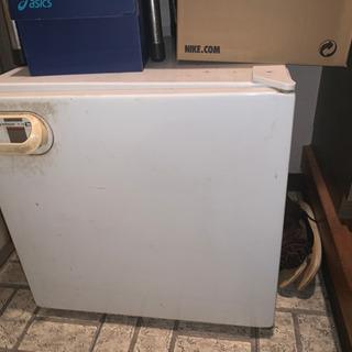 1人暮らし用冷蔵庫 HITACHI製