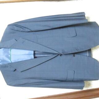 春.秋用のスーツの上着のみです