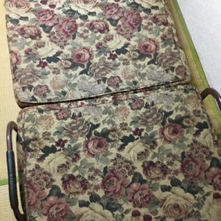 二つ折りパイプベッド