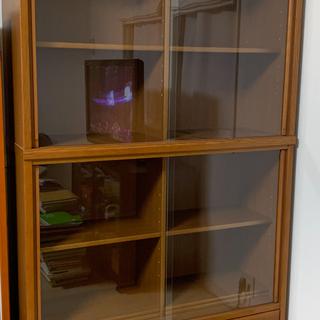 本棚(ガラス引き戸、下段抽斗つき)