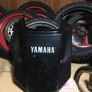 ヤマハTDR250テールカウル中古品質
