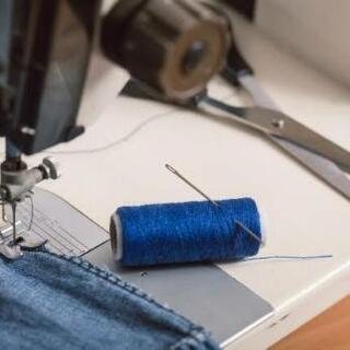 簡単な縫製作業します。