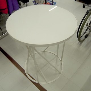 ガーデンテーブル 直径60×高さ70㎝ ガラス天板 アイアンフレ...