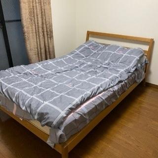 セミダブルベッドあります。マットレス付き!