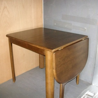 小さいダイニングテーブル