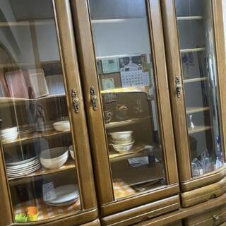 食器棚 ガラス戸棚部分のみ あげます。無料。
