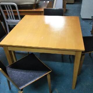 [正方形ダイニングテーブル]:リサイクルショップヘルプ