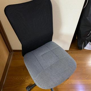 キャスター付き回転椅子