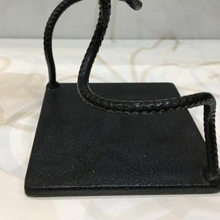 キャンドルスタンド アンティーク調 インテリア アート ろうそく立て アイアン製 飾り ブラック  - 売ります・あげます