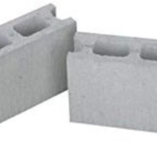 コンクリートブロック譲ります。