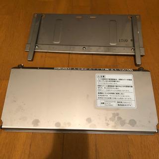湯沸かし器の防熱板