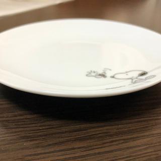 ローソン スヌーピーのお皿