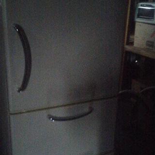 HITACHI 中型サイズ3ドア冷凍冷蔵庫 状態良好