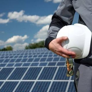 【即住込OK】寮付き太陽光パネルの設置アシスタント