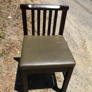 飲食店で使用 椅子
