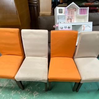 4人がけテーブルと椅子4
