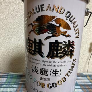 無料 缶のゴミ箱