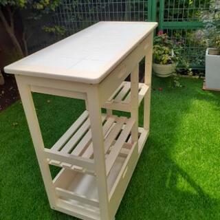 タイル天板の引出し付きキッチンワゴン/カウンタ-(無垢板) - 家具
