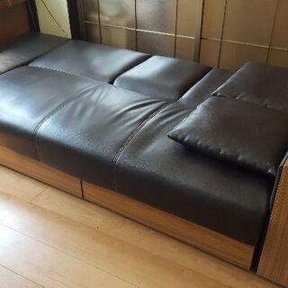 ソファがベッドに変わります