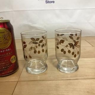 127、昭和レトロなグラス(金色 果物柄)2個