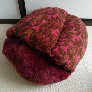 ペット用ベッド 犬 猫 美品 赤
