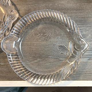 魚のガラス皿