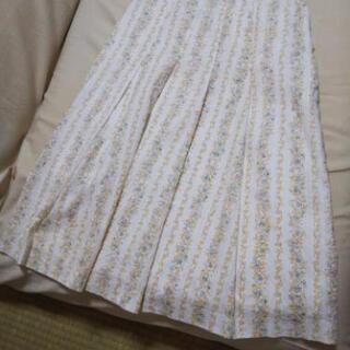 花柄スカート 100円