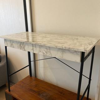 大理石柄テーブル