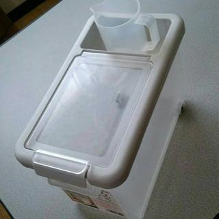米びつ■ライスストッカー■5㎏■計量カップ付き お米ちゃん
