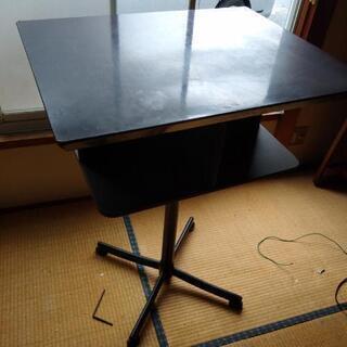 スタンディングテーブル 差し上げます