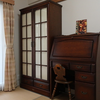 木製 ライティングビューロー・フラップデスク机  & ハートチェア椅子