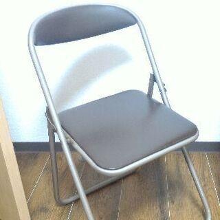 折りたたみ椅子、パイプ椅子500円